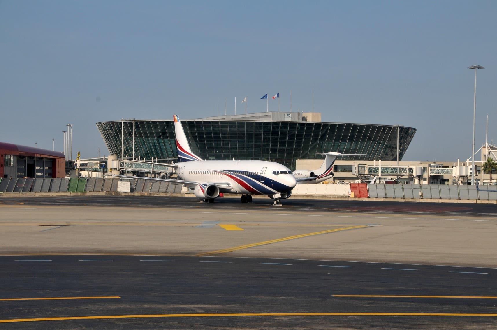 Aéroport Nice avec chauffeur privé vtc Alpes-Maritimes Côte-d'Azur